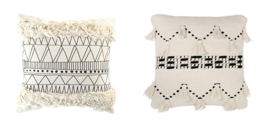 Modna boho poduszka z frędzlami, wzór zygzak, biało-czarna.